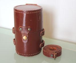 Original Curta II Lederbehälter braun, für Rallye-Sport entwickelt