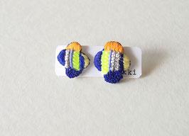 刺繍のピアスkonnohana