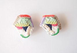 刺繍のピアスkamen