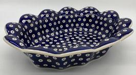 Ovalen gewelfde schaal traditioneel