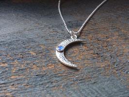 MOON MAGIC  Kette mit Halbmond (hängend) und Regenbogen-Mondstein, Silber