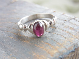 PASSION OF LOVE Ring mit Granat Cabochon