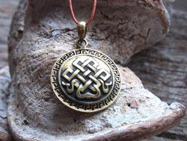 PATTA Kette mit Glücksknoten Amulett, kupferfarbiges Nylonband