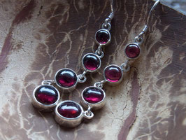 SACRED GARNET - Ohrringe mit rotem Granat, Silber