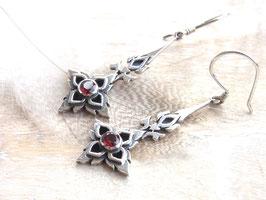 RED FIRE Ohrringe mit rotem Granat, Handarbeit - Silber