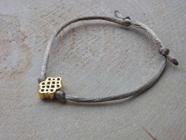 GOLDEN PATTA - Seidenarmband mit goldenem Patta Knoten