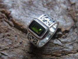 VITALITY Ring mit dunkelgrünem Turmalin Verdelith