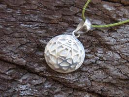 HERZCHAKRA Nylonbandkette mit handgeschmiedetem Herzchakra Symbol Anhänger, Silber