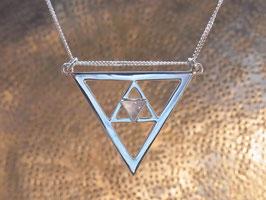 LIGHT DOOR - Kette mit Dreieck Symbol und Regenbogen-Mondstein