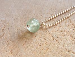 WISDOM Kette mit hellgrüner Fluorit Perle, Silber