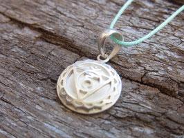HALSCHAKRA Nylonbandkette mit handgeschmiedetem Halschakra Symbol Anhänger - Silber