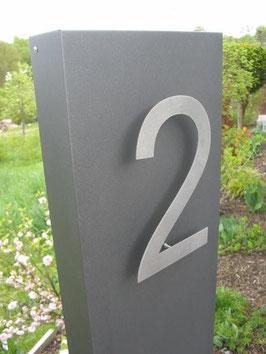 Lieferzustand vormontierte Hausnummer