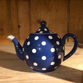 Schöne kleine Teekanne