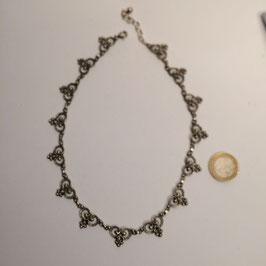 Trachenschmuck, Halskette