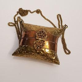 Kleine Messing-Tasche,sehr galant, 8 x 6,5 cm