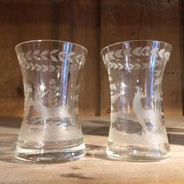 2 Gläser mit Hirsch Reh Motiv