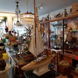 Grosses Segelboot, Holz, alt