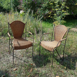 2 alte Korbstühle, Eisengestell, selten, schön und sehr gut erhalten