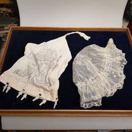 Hochzeitsmützen, alt und kurios