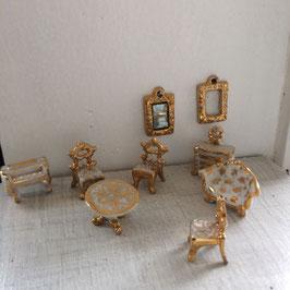 Möbel-Ensemble, Porzellan, sehr selten
