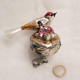 Vogel mit Nest (Nr. 2)