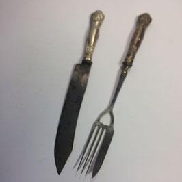 Messer und Gabel, verzierte Griffe