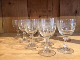 8 Gläser, wunderschön mit Verzierungen