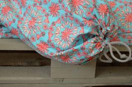 BIO-Dinkelspelz-Stillkissen hellblau muster-rosa