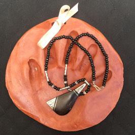 Collier pendentif ébène Touareg- sac