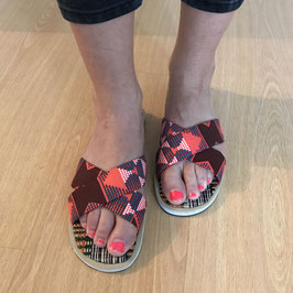 Sandales plates en tissu pagne rose