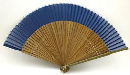 Eventail en soie et bambou couleur bleu