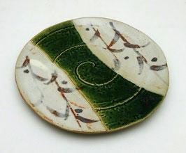 "Assiette Oribe, motifs ""Arabesques"""