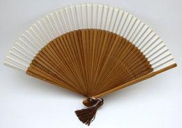 Eventail en soie et bambou blanc uni
