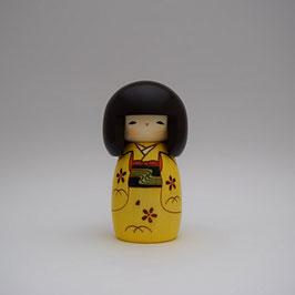 "Kokeshi ""la petite jaune"""
