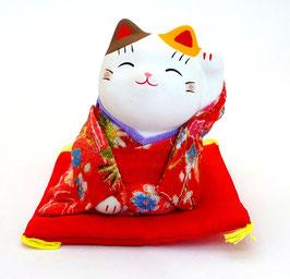 Maneki Neko assis Tissu Chirimen Rouge