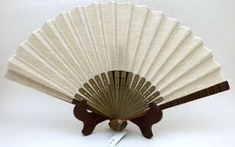 Eventail uni, lin et bambou, dominante blanc cassé