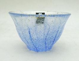 Coupe à saké verre et poudre d'or (bleu clair)