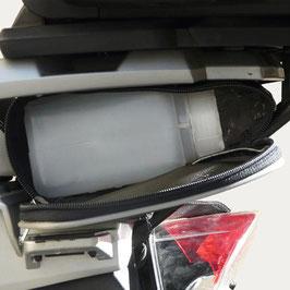 Zusatztasche unter Gepäckbrücke BMW R1200GS mit Topcase
