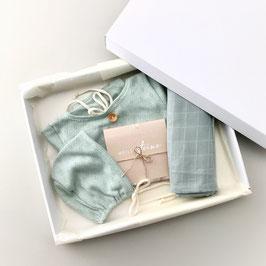 Dein erstes Babyoutfit / Babyphotobox / Mint