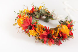 Hübscher Blumenkranz für Kinder