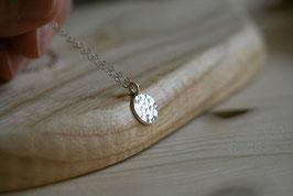 gehämmertes Plättchen-Silberhalskette