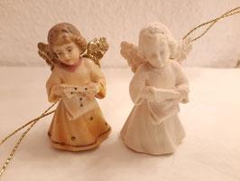 Engel mit Schriftrolle