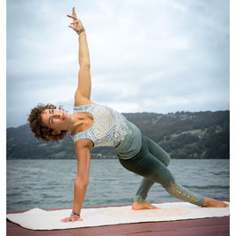 Yoga-Top Bakti
