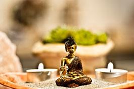Glücksbuddha in Geschenktüte Gold