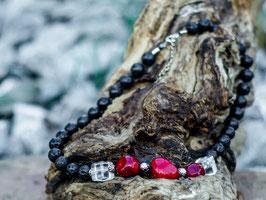Halskette mit Lavasteinen