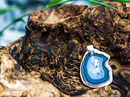 blauer Achat mit Metallöse