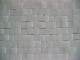 1 Strang Glaswürfel 4 mm white alabaster