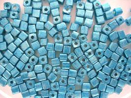 100 Stück Metallicwürfel 3,4 mm aqua
