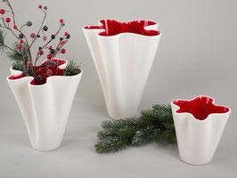 """Vaso """"Onda-rosso"""" in ceramica con superficie smaltata crema esterno e rosso interno"""