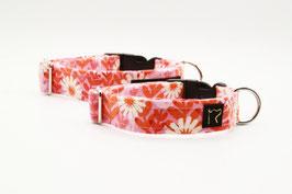 Stoffhalsband mit Blumen in rosa, orange und creme